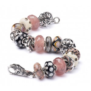 AR293 Strawberry Fields  Trollbeads inspiratiearmband