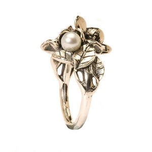 TAGRI-00221-00230 Trollbeads Ring Hawthorn with pearl